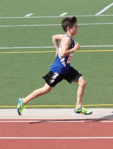 Josh racing 1500m love that form. Dude is flying through the air.